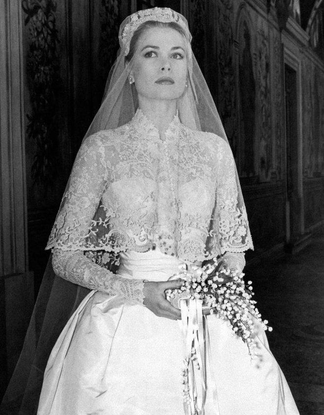 Điều bí ẩn gì đằng sau mẫu váy cưới Công nương Grace Kelly khiến cả thế giới sau 60 năm vẫn mê mẩn đến vậy - Ảnh 13.