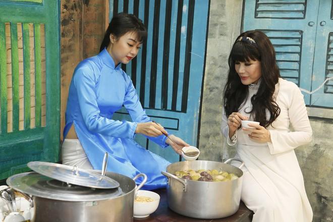 Phương Trinh Jolie gợi cảm khoe vai trần, Nam Cường trốn vợ đi thi hát  - Ảnh 4.