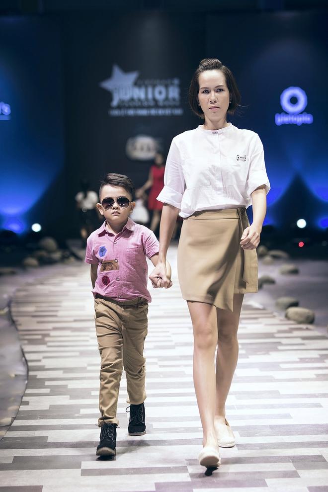 Ốc Thanh Vân cùng 3 nhóc tỳ mở màn Tuần lễ Thời trang Thiếu nhi 2017 - Ảnh 13.