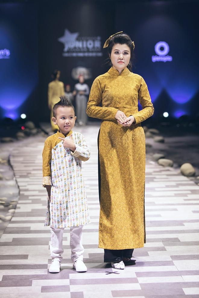 Ốc Thanh Vân cùng 3 nhóc tỳ mở màn Tuần lễ Thời trang Thiếu nhi 2017 - Ảnh 15.