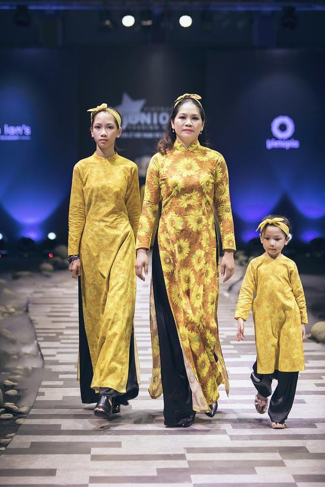 Ốc Thanh Vân cùng 3 nhóc tỳ mở màn Tuần lễ Thời trang Thiếu nhi 2017 - Ảnh 16.