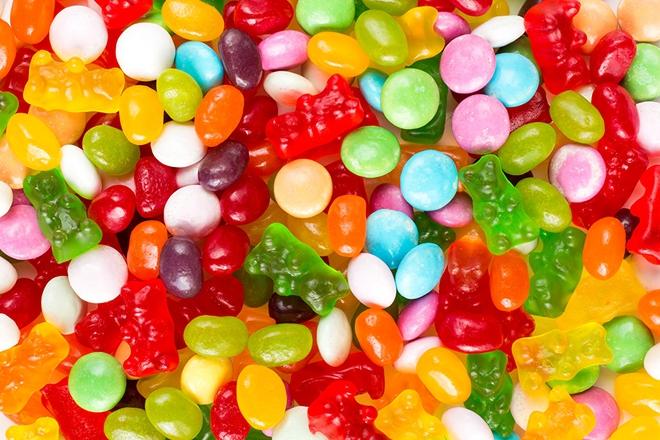 Hạn chế con ăn ngay 4 loại đồ ăn này vì nó có thể khiến trí não trẻ chậm phát triển - Ảnh 2.