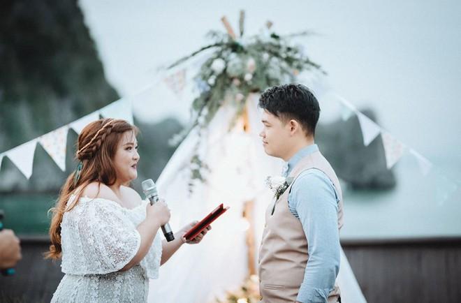 Đám cưới du thuyền đẹp mơ màng giữa sóng nước Hạ Long của cô dâu Philippines không ngại chủ động tìm kiếm tình yêu - Ảnh 11.