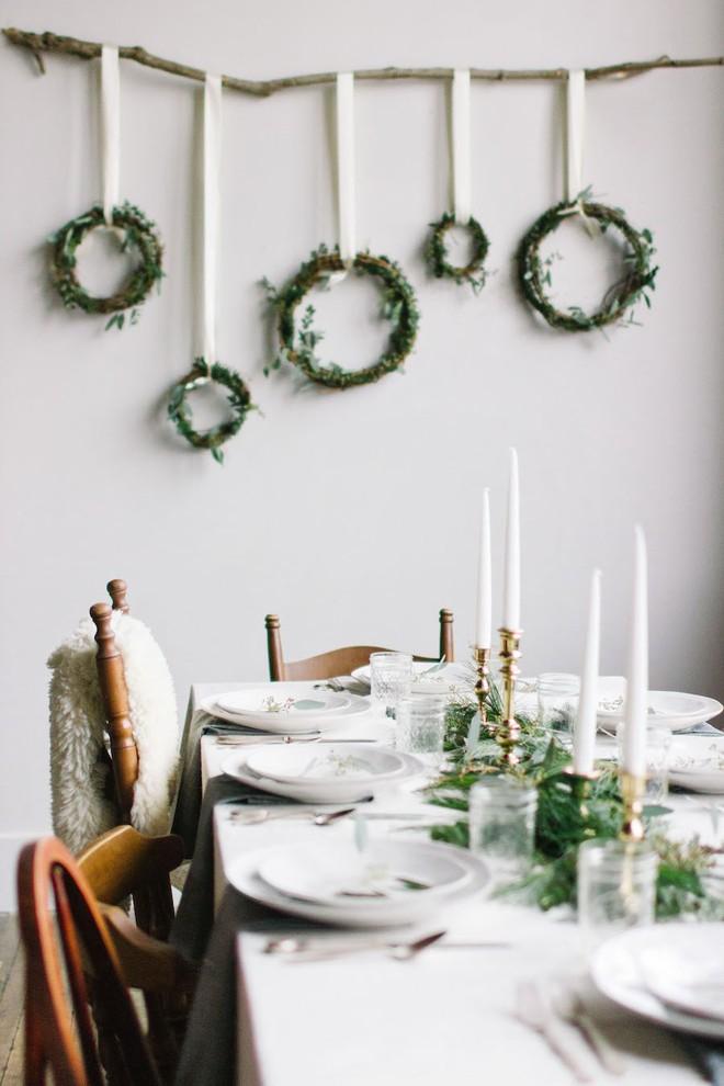 Trang trí bàn ăn thật lung linh và ấm cúng cho đêm Giáng sinh an lành - Ảnh 21.