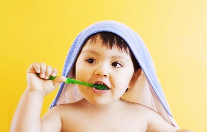 Tưởng hơi thở con có mùi vì sâu răng ai dè là do 4 chứng bệnh cần chú ý này đây - Ảnh 3.