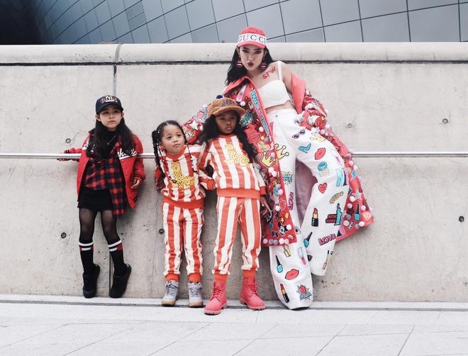 Ai là nhân vật đứng phía sau những nhóc tỳ sành điệu tại Tuần lễ thời trang Seoul - Ảnh 1.