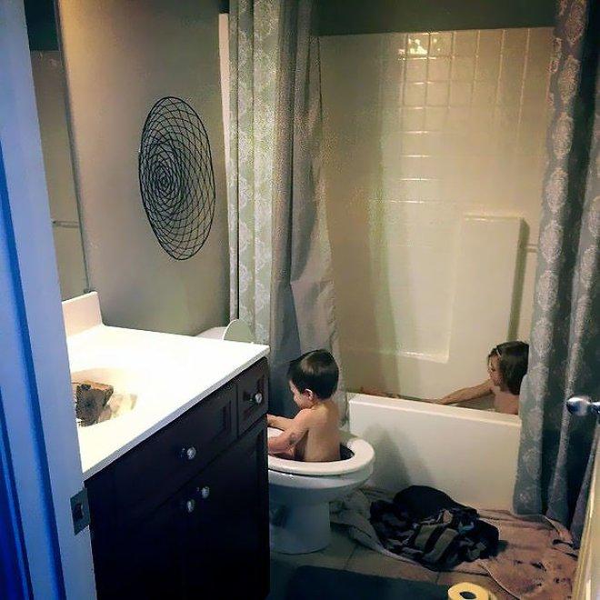 Đừng bao giờ để lũ trẻ ở nhà một mình nếu không muốn chứng kiến những cảnh dở khóc dở cười này - Ảnh 20.