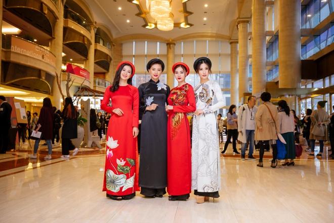 Ngô Thanh Vân cùng hội mỹ nhân Cô Ba Sài Gòn diện áo dài nổi bật trên thảm đỏ LHP Busan - Ảnh 6.