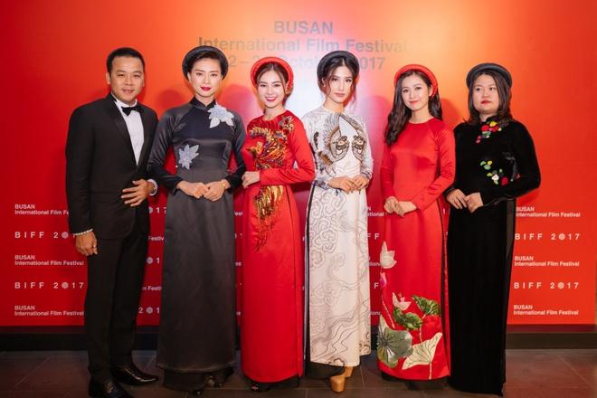 Ngô Thanh Vân cùng hội mỹ nhân Cô Ba Sài Gòn diện áo dài nổi bật trên thảm đỏ LHP Busan - Ảnh 5.