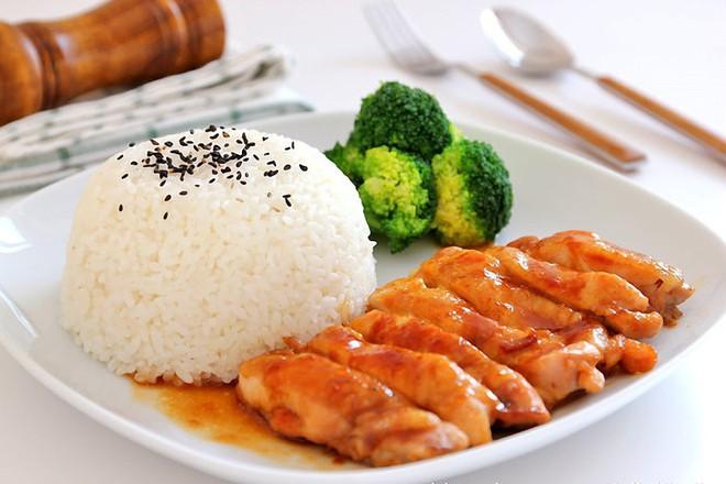 Ngày bận rộn, bữa tối chỉ cần đĩa cơm gà chiên mắm cũng đủ ngon rồi! - Ảnh 6.