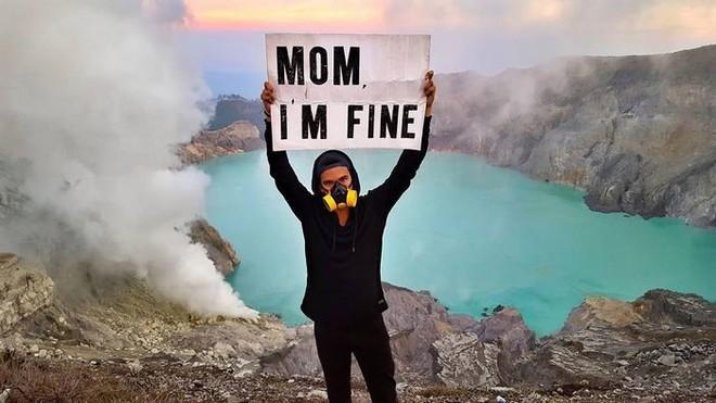 Chàng trai có trách nhiệm nhất quả đất khi đi du lịch luôn cầm tấm bảng Mom, Im fine để trấn an mẹ mình - Ảnh 26.