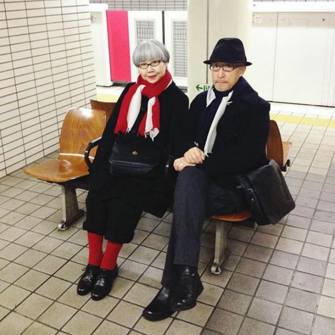 Ai cũng ước như cặp vợ chồng này, kết hôn 37 năm vẫn chăm mặc đồ đôi như ngày mới yêu - Ảnh 5.