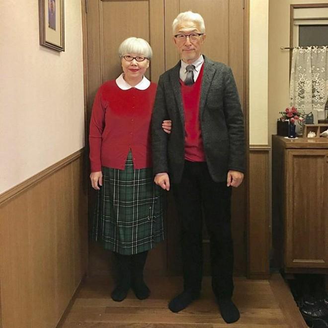 Ai cũng ước như cặp vợ chồng này, kết hôn 37 năm vẫn chăm mặc đồ đôi như ngày mới yêu - Ảnh 6.