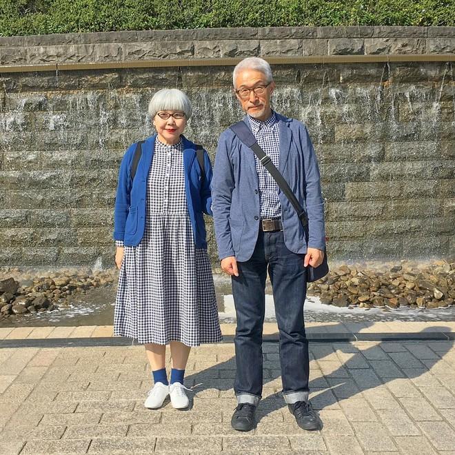 Ai cũng ước như cặp vợ chồng này, kết hôn 37 năm vẫn chăm mặc đồ đôi như ngày mới yêu - Ảnh 11.