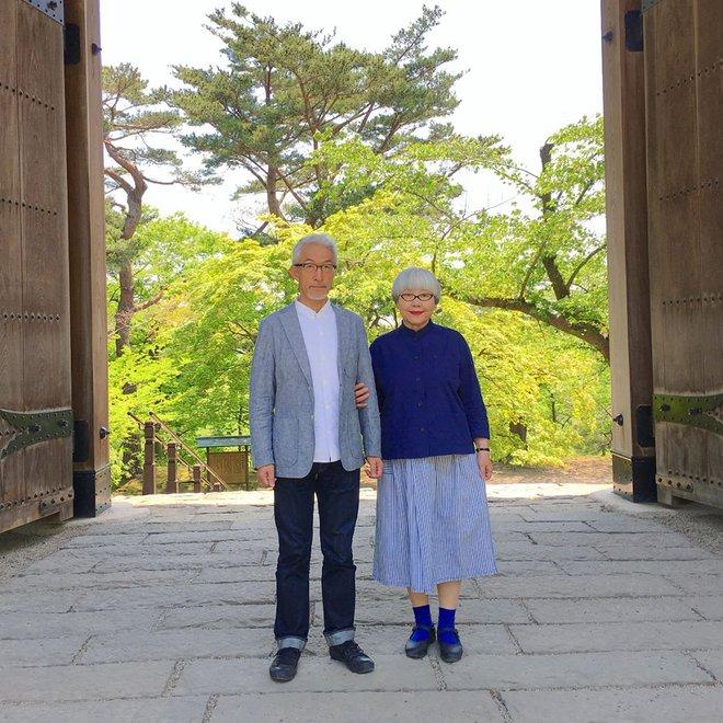 Ai cũng ước như cặp vợ chồng này, kết hôn 37 năm vẫn chăm mặc đồ đôi như ngày mới yêu - Ảnh 12.