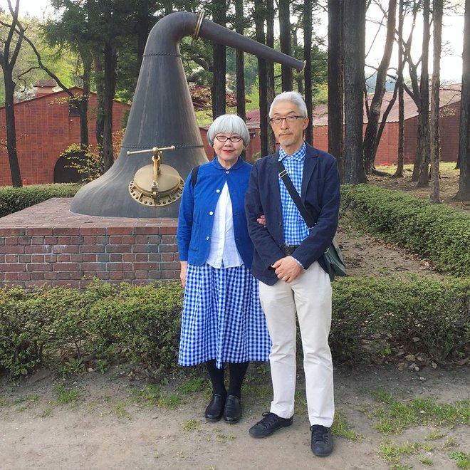 Ai cũng ước như cặp vợ chồng này, kết hôn 37 năm vẫn chăm mặc đồ đôi như ngày mới yêu - Ảnh 13.