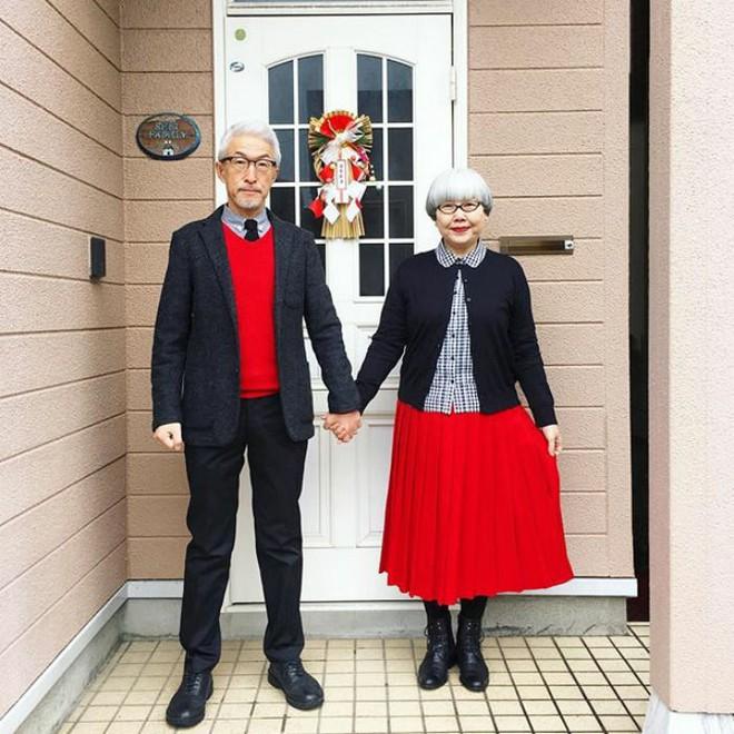 Ai cũng ước như cặp vợ chồng này, kết hôn 37 năm vẫn chăm mặc đồ đôi như ngày mới yêu - Ảnh 7.