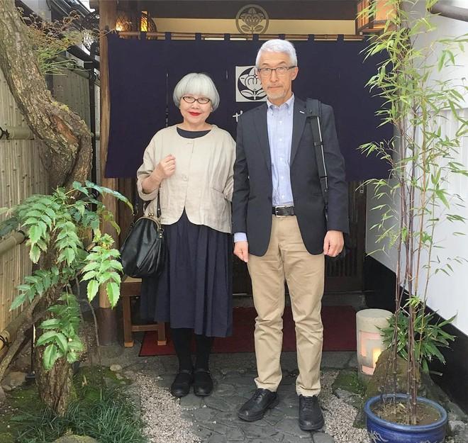 Ai cũng ước như cặp vợ chồng này, kết hôn 37 năm vẫn chăm mặc đồ đôi như ngày mới yêu - Ảnh 15.