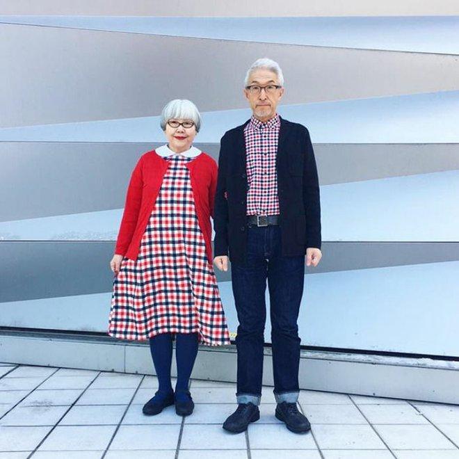 Ai cũng ước như cặp vợ chồng này, kết hôn 37 năm vẫn chăm mặc đồ đôi như ngày mới yêu - Ảnh 3.