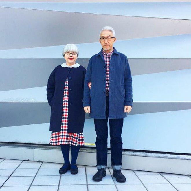 Ai cũng ước như cặp vợ chồng này, kết hôn 37 năm vẫn chăm mặc đồ đôi như ngày mới yêu - Ảnh 4.