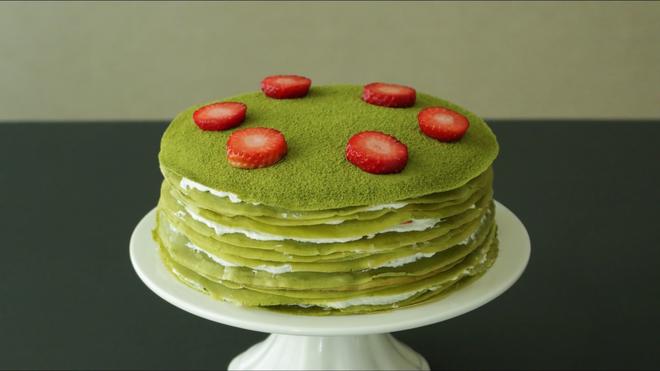 Không cần lò nướng cũng làm được bánh crepe trà xanh vừa mềm vừa thơm - Ảnh 8.