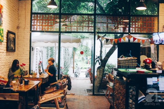 5 quán cafe trong ngõ để tìm tĩnh lặng và yên bình cho những ngày cuối hạ - Ảnh 8.