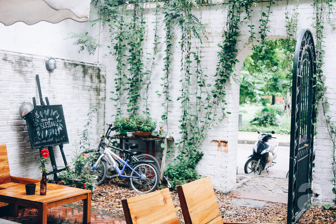 5 quán cafe trong ngõ để tìm tĩnh lặng và yên bình cho những ngày cuối hạ - Ảnh 3.