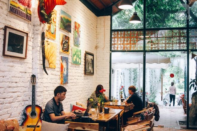 5 quán cafe trong ngõ để tìm tĩnh lặng và yên bình cho những ngày cuối hạ - Ảnh 1.