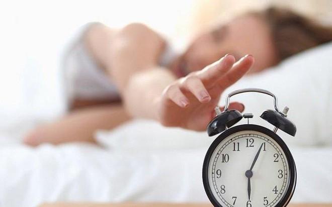 Lợi ích của việc ngủ dậy sớm chắc chắn sẽ khiến bạn vô cùng bất ngờ - Ảnh 1.