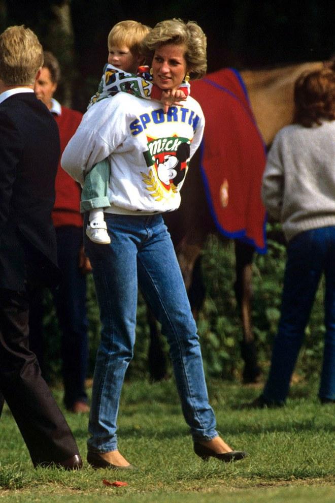 Đẹp như công nương Diana thì chỉ mặc quần jeans cũng xuất sắc hơn người - Ảnh 6.