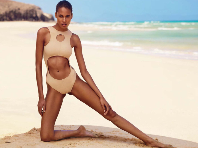 Thiên thần da đen sexy nhất hành tinh Cindy Bruna đã làm cách này để sở hữu bụng phẳng, giữ dáng đẹp nuột nà - Ảnh 4.