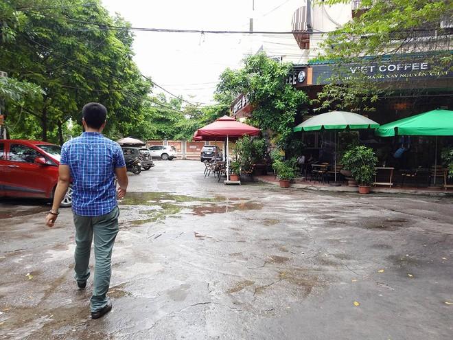 Hà Nội: Nơi mưa ngập trắng băng, dân thi nhau bắt cá, nơi chỉ đủ ướt đường - Ảnh 11.