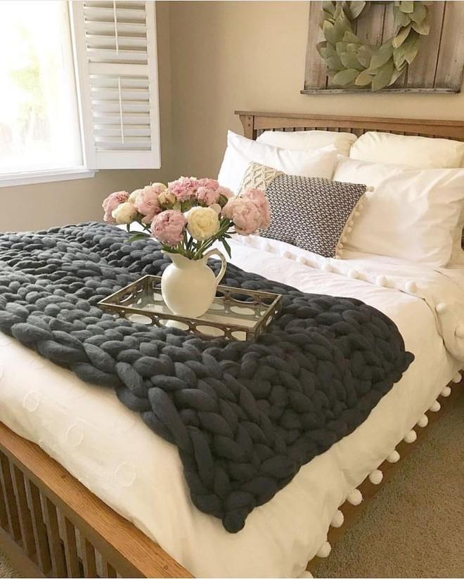 Những mẫu phòng ngủ mùa đông nhìn là thấy ấm - Ảnh 8.