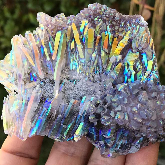 Chiêm ngưỡng những viên đá đẹp long lanh như một vũ trụ huyền bí thu nhỏ - Ảnh 5.