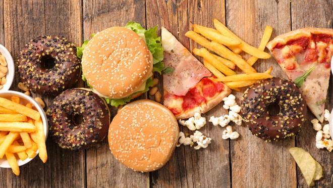 3 nhóm thực phẩm chính gây ra tình trạng da sần vỏ cam xấu xí kinh khủng - Ảnh 4.