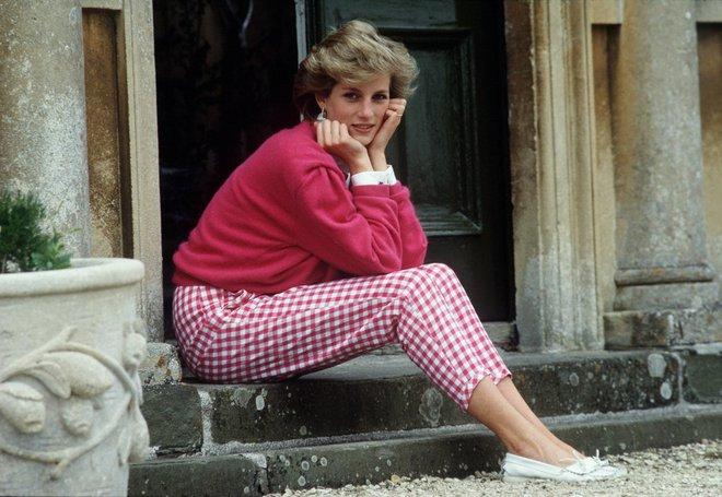 20 khoảnh khắc khiến người ta tin rằng công nương Diana thực sự là một biểu tượng thời trang chân chính - Ảnh 12.