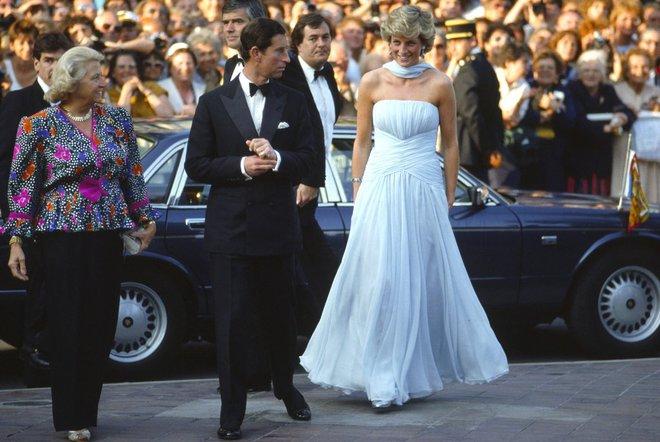 20 khoảnh khắc khiến người ta tin rằng công nương Diana thực sự là một biểu tượng thời trang chân chính - Ảnh 13.