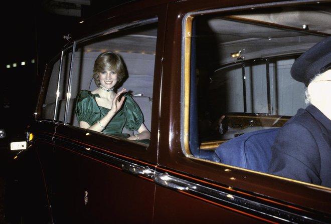 20 khoảnh khắc khiến người ta tin rằng công nương Diana thực sự là một biểu tượng thời trang chân chính - Ảnh 19.