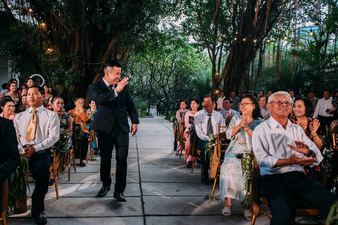 Cặp đôi Việt kiều đem nơm cá, quang gánh, xích lô kiểu xin một vé đi tuổi thơ vào tiệc cưới sang chảnh - Ảnh 4.