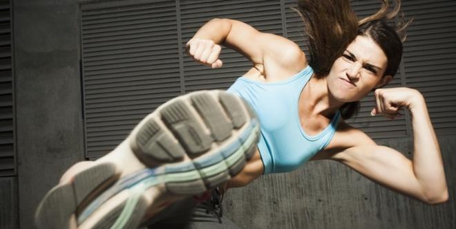 Tập thể dục cường độ cao trong những lúc như thế này sẽ càng khiến bạn dễ bị đau tim - Ảnh 1.