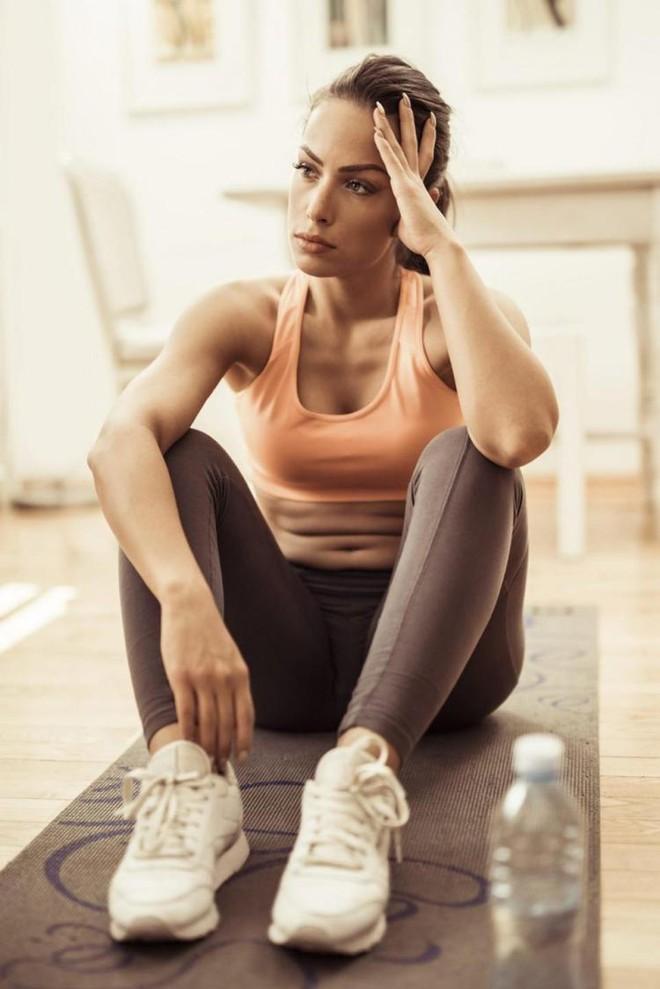 Tập thể dục cường độ cao trong những lúc như thế này sẽ càng khiến bạn dễ bị đau tim - Ảnh 3.
