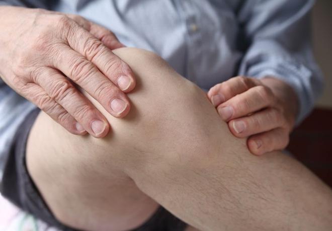 Thức uống chữa đau khớp hiệu quả, nhà có người lớn tuổi ai cũng phải biết - Ảnh 1.