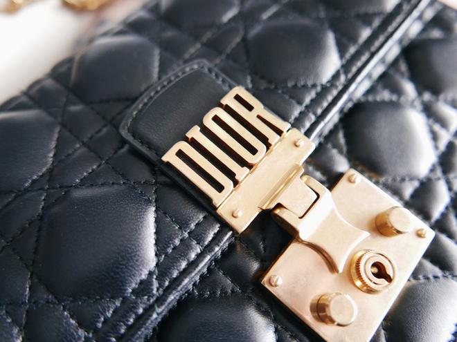 Sau túi J'adior, giới mộ điệu lại nóng lòng sở hữu túi Addict của Dior - Ảnh 10.