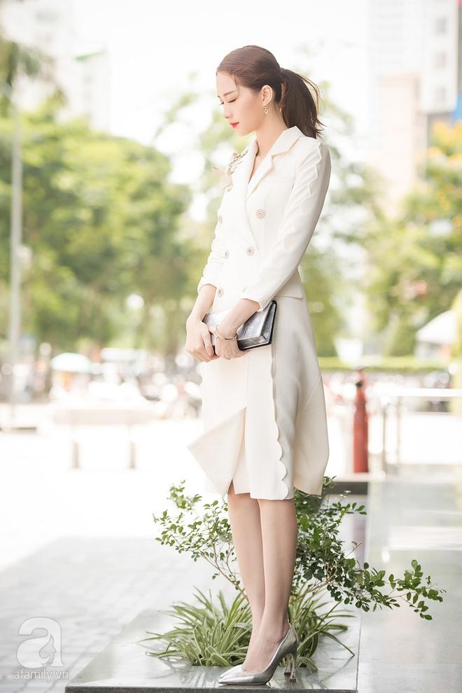 Mặc đồ giản dị nhưng Hoa hậu Thu Thảo vẫn khiến mọi ánh nhìn xao xuyến - Ảnh 2.