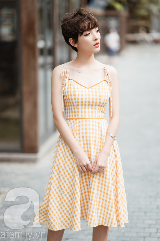 Duyên dáng trọn vẹn cả tuần với những thiết kế váy áo cổ điển đẹp tinh khôi - Ảnh 19.