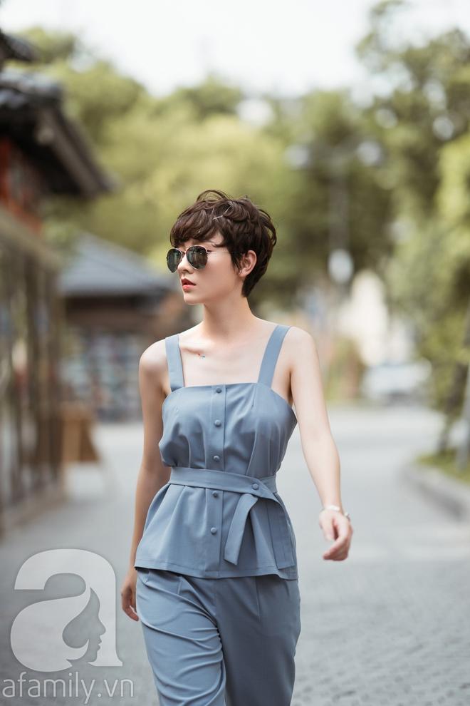 Duyên dáng trọn vẹn cả tuần với những thiết kế váy áo cổ điển đẹp tinh khôi - Ảnh 13.