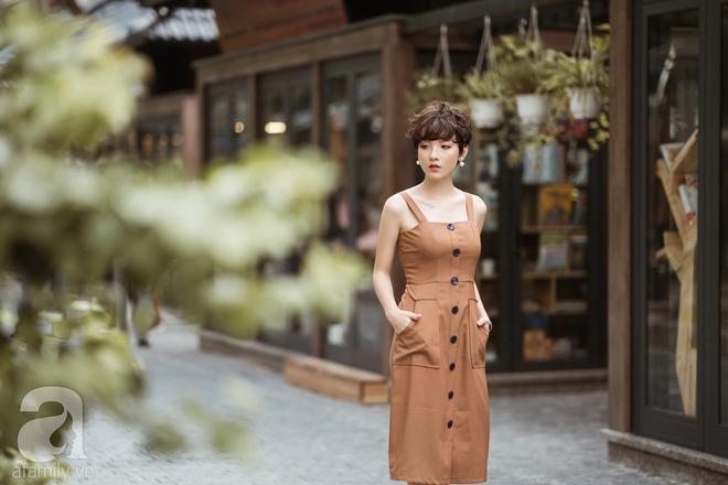 Duyên dáng trọn vẹn cả tuần với những thiết kế váy áo cổ điển đẹp tinh khôi - Ảnh 15.