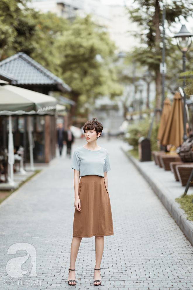 Duyên dáng trọn vẹn cả tuần với những thiết kế váy áo cổ điển đẹp tinh khôi - Ảnh 1.