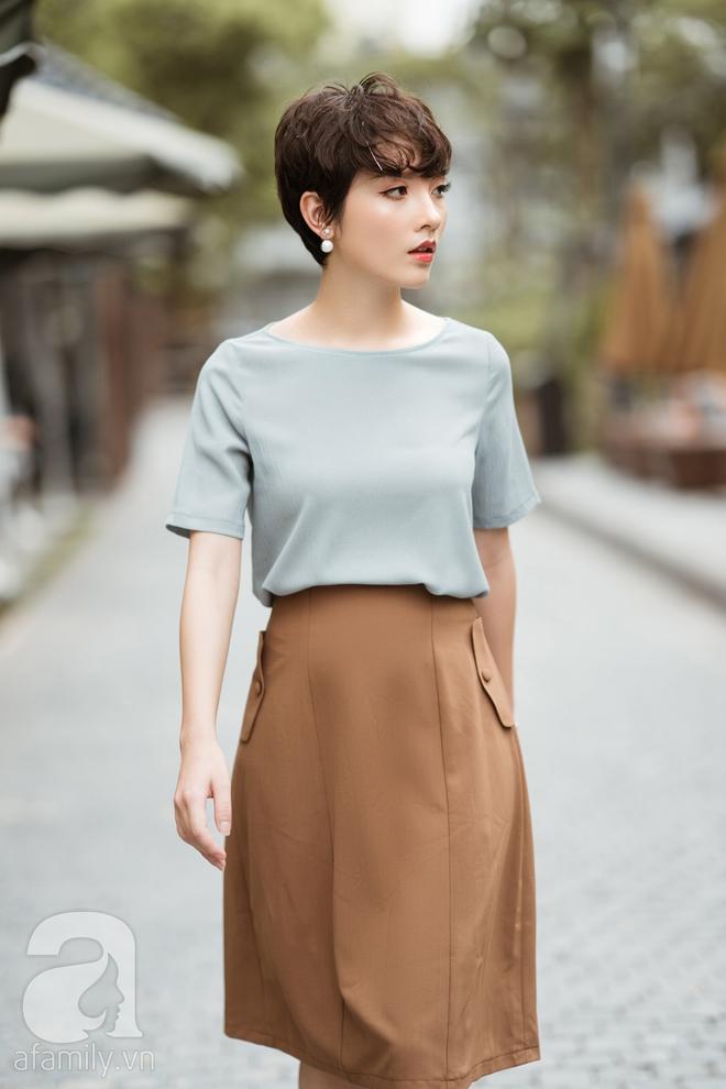 Duyên dáng trọn vẹn cả tuần với những thiết kế váy áo cổ điển đẹp tinh khôi - Ảnh 3.