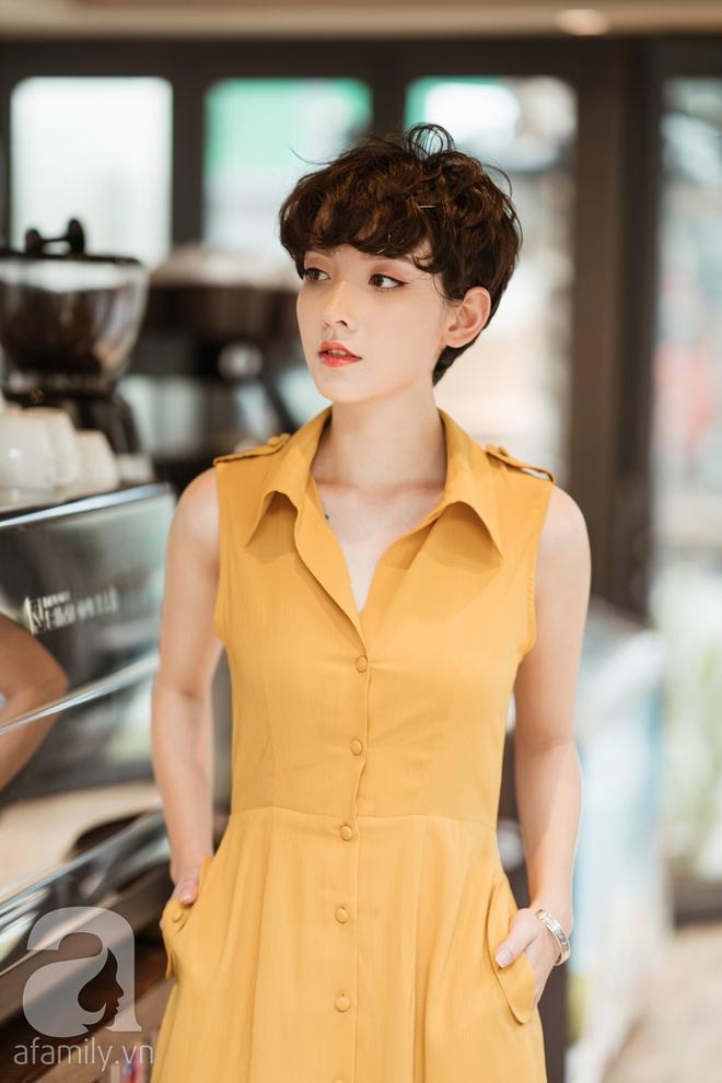 Duyên dáng trọn vẹn cả tuần với những thiết kế váy áo cổ điển đẹp tinh khôi - Ảnh 7.